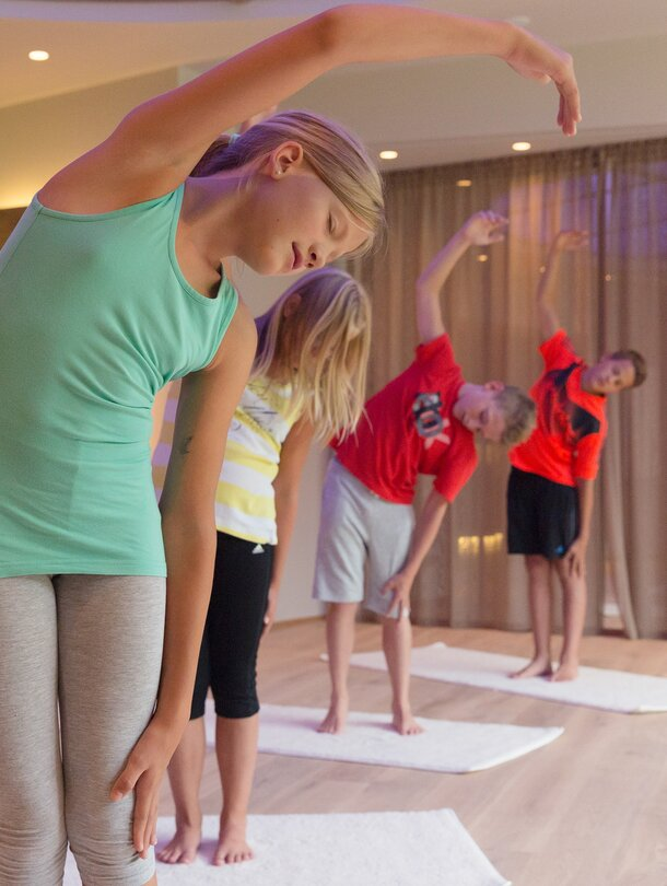 Kinderyoga im Wellnesshotel Tuxerhof in Tirol