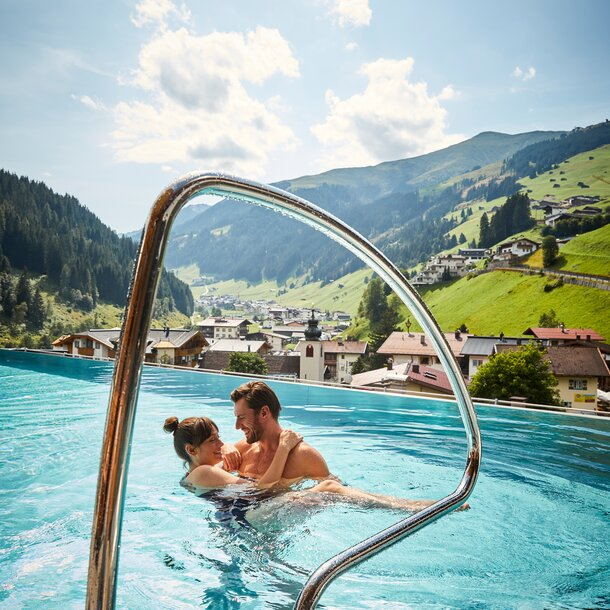 outdoor pool with hintertux view